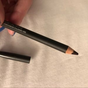 Mac cosmetics nightmoth lip pencil